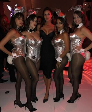 Happy New Year from me and my PINK bunnies! Wish you all the best for 2018! #mypinkgirlsrock #pink #playmates #hellyes
